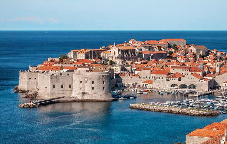 Take advantage of your vacation in Neum to visit Dubrovnik